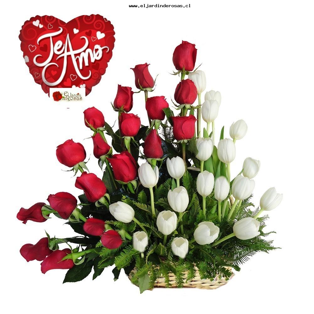 cesta con rosas tulipanes blancos globo te amo codcrt